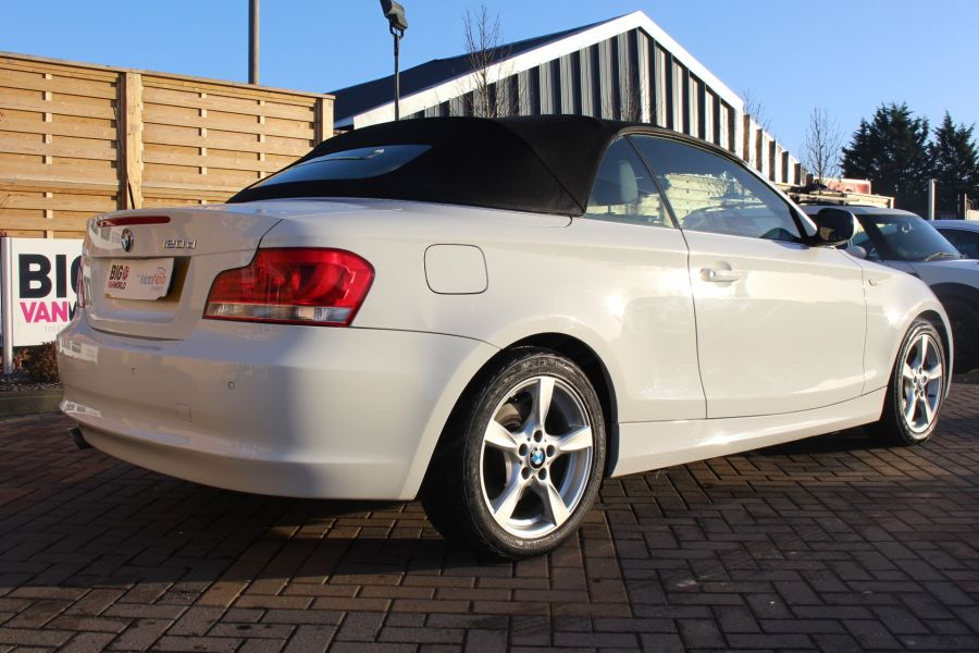 BMW 1 SERIES 120D EXCLUSIVE EDITION - 5886 - 6