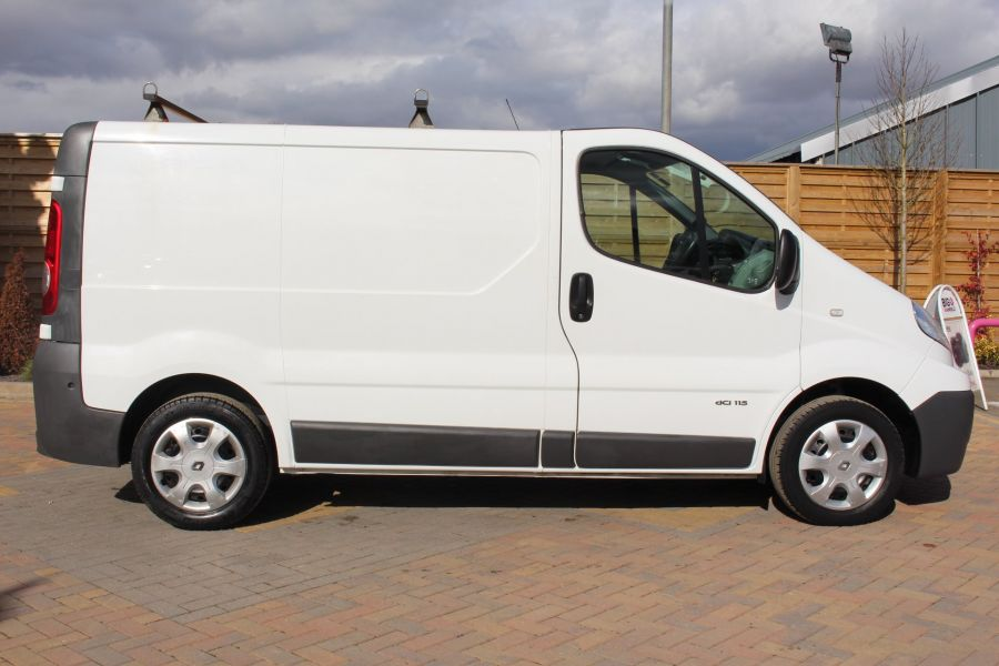 RENAULT TRAFIC SL27 DCI 115 SWB LOW ROOF - 7262 - 4