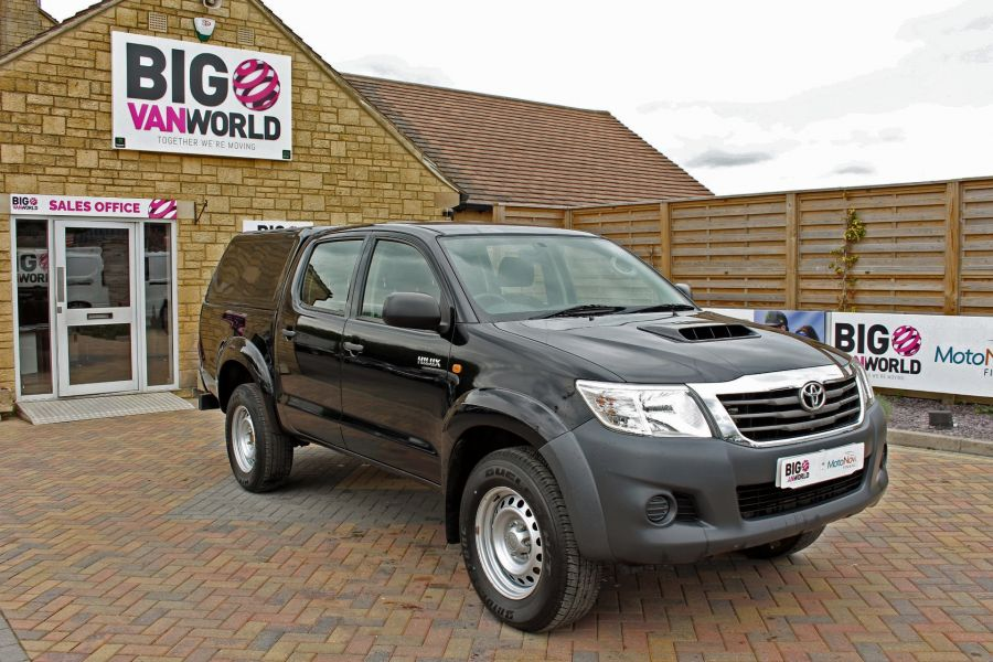 TOYOTA HI-LUX ACTIVE 4X4 D-4D 144 DOUBLE CAB WITH TRUCKMAN TOP - 9046 - 3