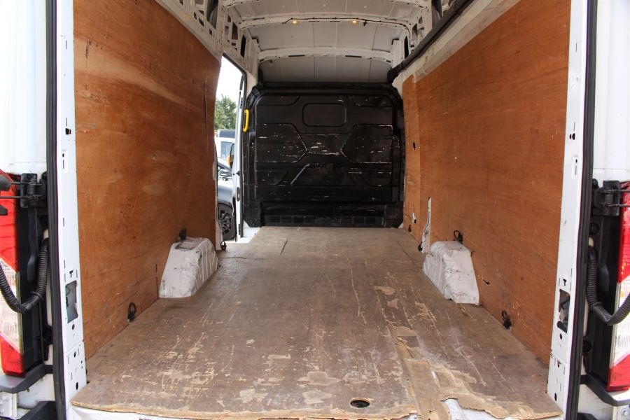 FORD TRANSIT 350 TDCI 125 L4 H3 JUMBO HIGH ROOF RWD - 7394 - 17