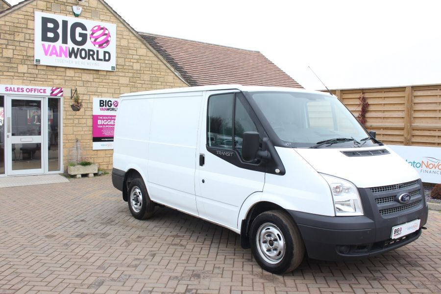 FORD TRANSIT 300 TDCI 100 SWB LOW ROOF FWD - 6939 - 2