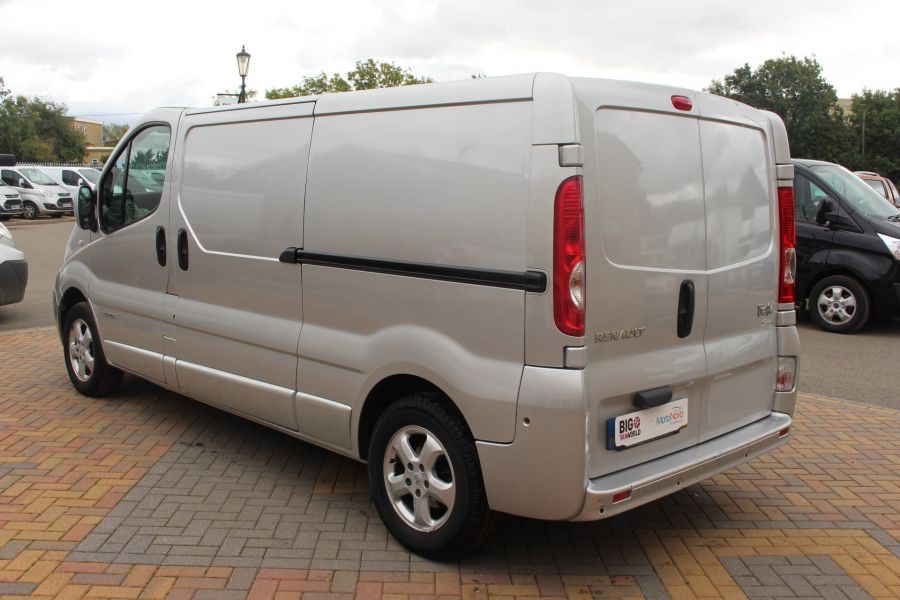 RENAULT TRAFIC LL29 DCI 115 SPORT SPECIAL EDITION LWB LOW ROOF - 6693 - 7