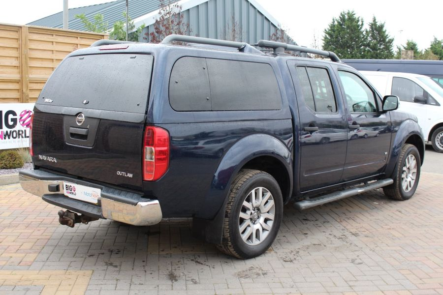 NISSAN NAVARA OUTLAW V6 DCI 231 4X4 DOUBLE CAB WITH TRUCKMAN TOP - 6769 - 5