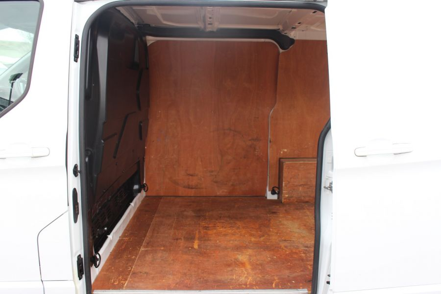 FORD TRANSIT CUSTOM 330 TDCI 125 L1 H1 LIMITED SWB LOW ROOF FWD - 9004 - 20