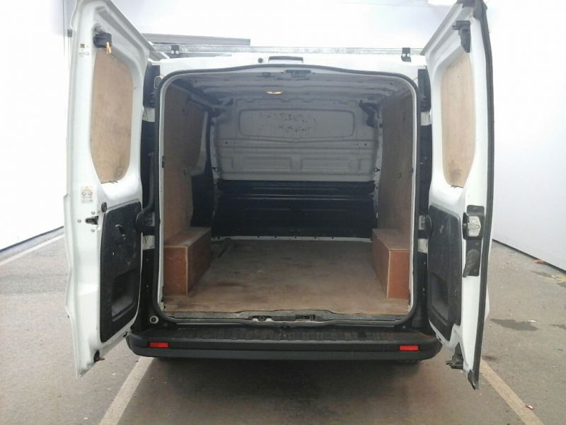 RENAULT TRAFIC SL27 DCI 115 BUSINESS SWB LOW ROOF - 9738 - 4