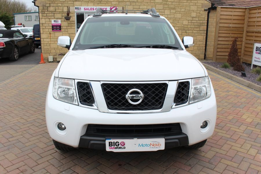 NISSAN NAVARA DCI 190 TEKNA CONNECT 4X4 DOUBLE CAB - 7425 - 9