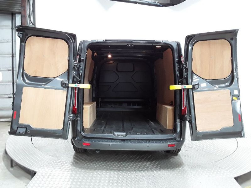 FORD TRANSIT CUSTOM 270 TDCI 130 L1H1 LIMITED SWB LOW ROOF FWD - 11632 - 5