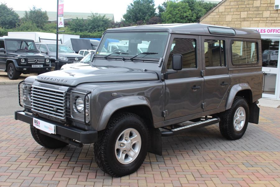LAND ROVER DEFENDER 110 TD XS STATION WAGON 7 SEATER - 6197 - 9