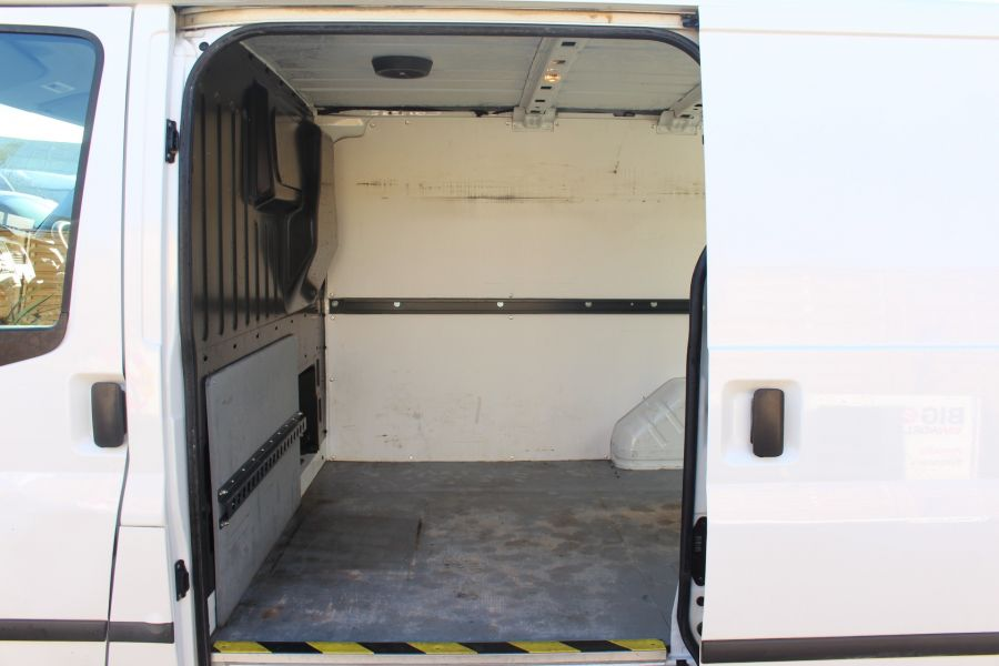 FORD TRANSIT 280 TDCI 125 TREND SWB LOW ROOF FWD - 7044 - 13