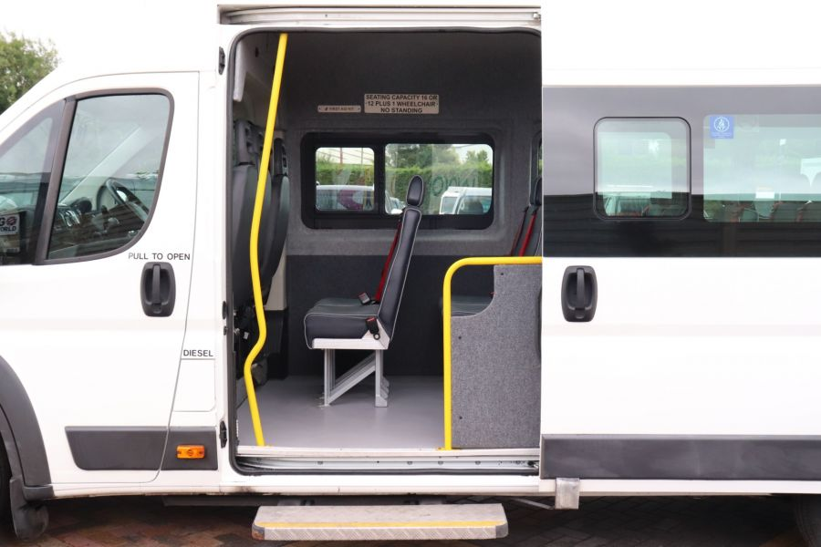 PEUGEOT BOXER 440 HDI 130 L4H2 17 SEAT BUS HIGH ROOF WITH WHEELCHAIR ACCESS - 9625 - 34