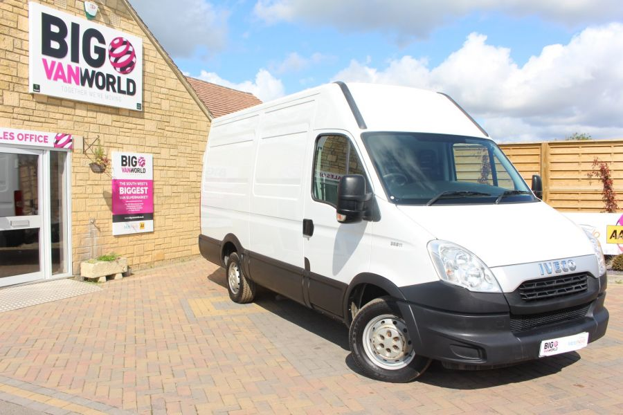 IVECO DAILY 35S11V MWB HIGH ROOF 3520WB - 6151 - 1