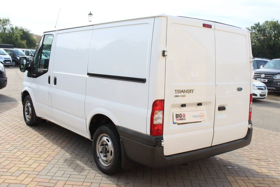 FORD TRANSIT 300 TDCI 100 SWB LOW ROOF FWD - 6546 - 7