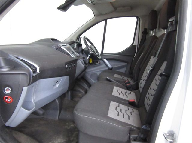 FORD TRANSIT CUSTOM 270 TDCI 125 L1 H1 LIMITED SWB LOW ROOF FWD - 7021 - 15