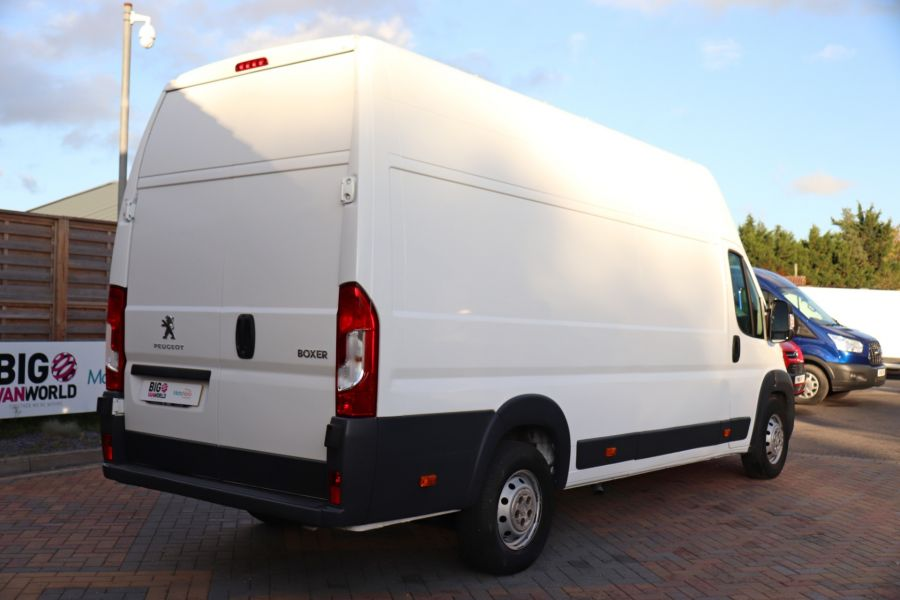 PEUGEOT BOXER 435 HDI 130 L4H3 HIGH ROOF - 9962 - 6