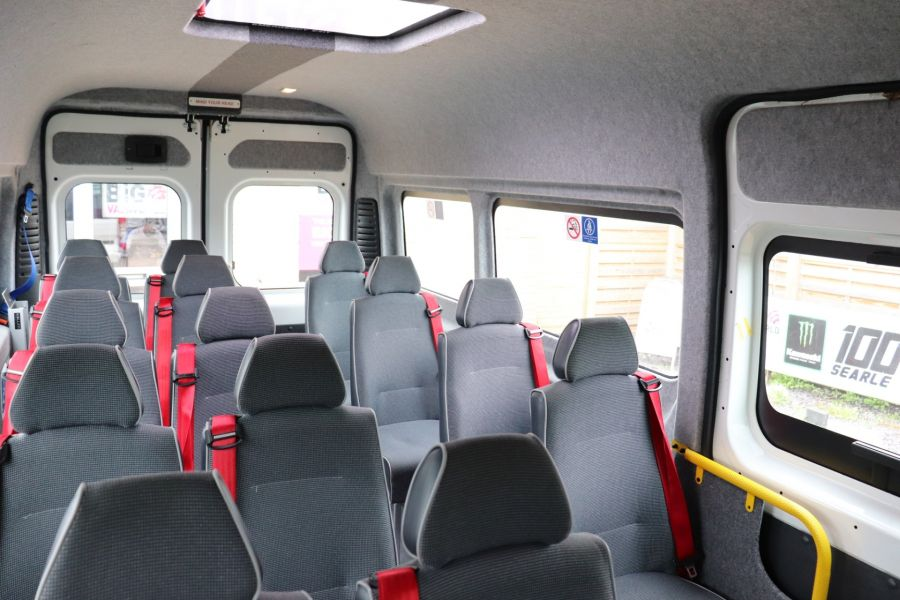PEUGEOT BOXER 440 HDI 130 L4H2 17 SEAT BUS HIGH ROOF WITH WHEELCHAIR ACCESS - 9625 - 40
