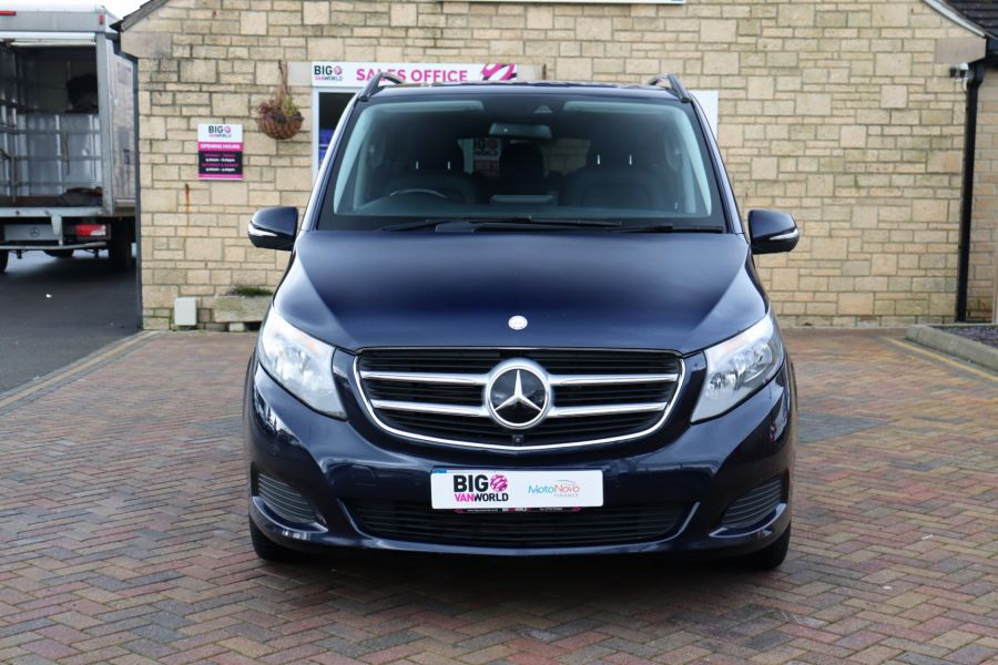 MERCEDES V-CLASS V250 CDI 188 BLUETEC SE 8 SEAT EXTRA LONG - 10420 - 11